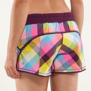 Lululemon Shake & Break Short Sz 6